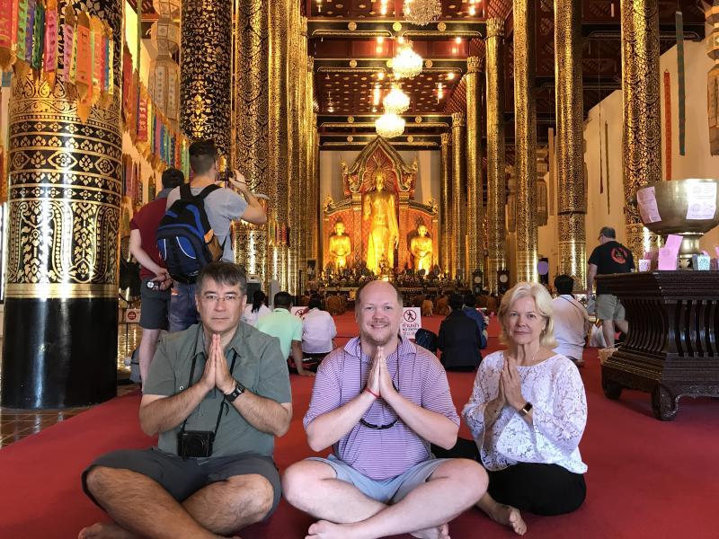 Wat Doi Suthep Temple + Borsang – Sankampang Handicraft Center.